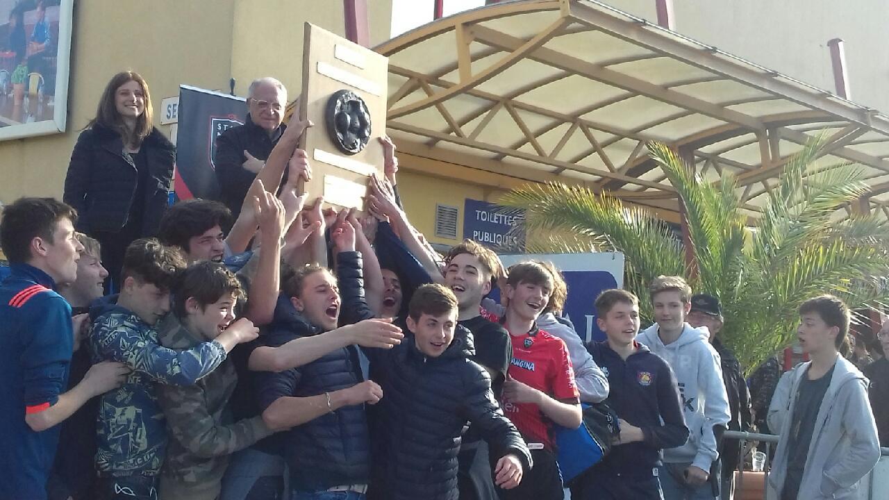 Victoire championnat Teulière B PACA des cadets du Rugby Club Six-Fours Le Brusc Ollioules Saint Mandrier - Crédit photo RCSFLB
